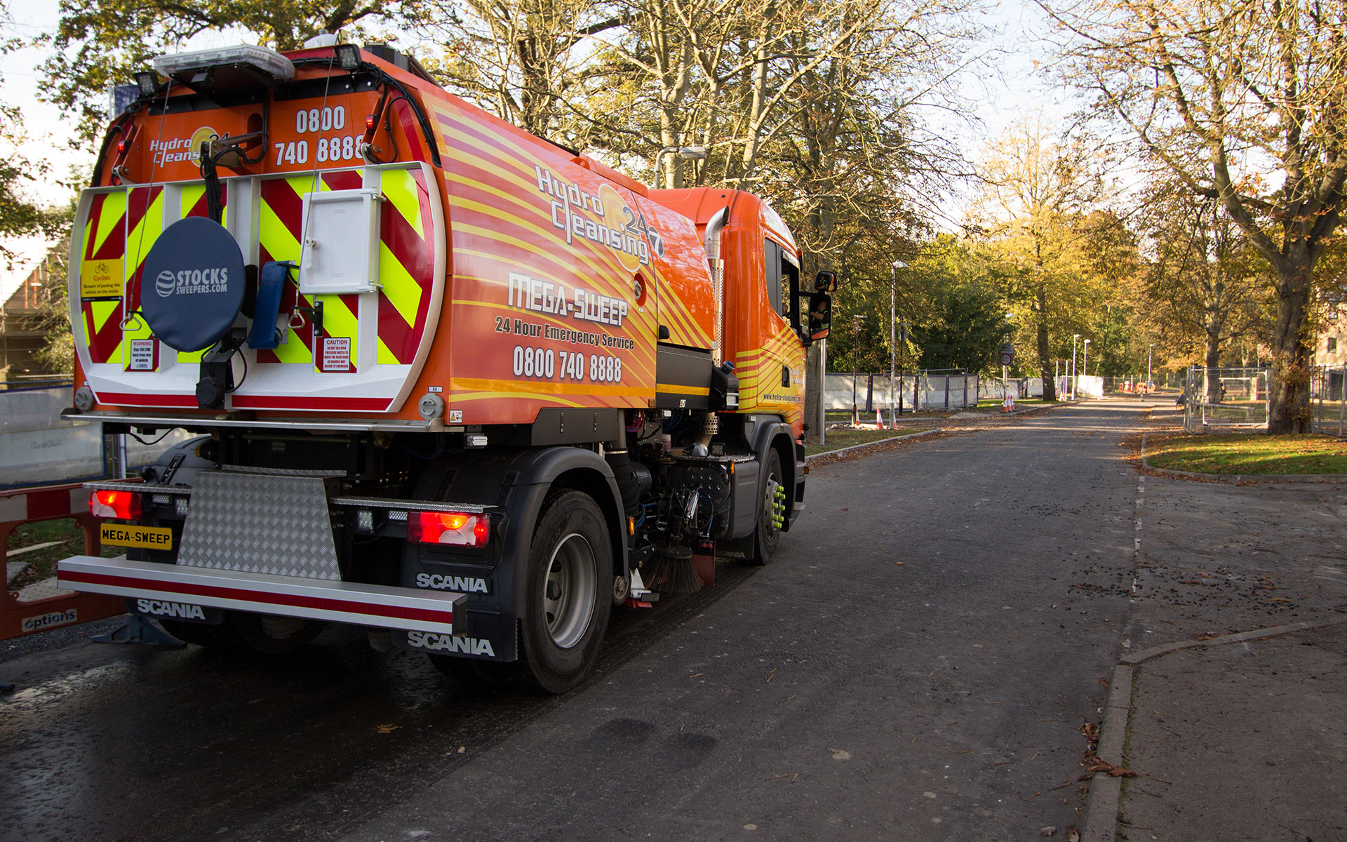 Road sweeper compacting high volumns of foliage
